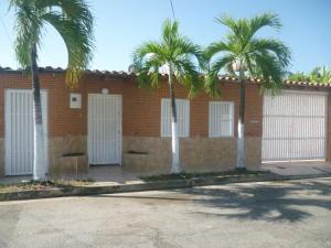 Casa En Venta En Maracay - La Mulera Código FLEX: 19-1503 No.0