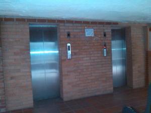 En Venta En Caracas - Parroquia 23 de Enero Código FLEX: 19-1512 No.7