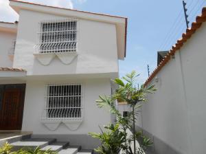 En Venta En Maracay - El Castano (Zona Privada) Código FLEX: 19-1552 No.16