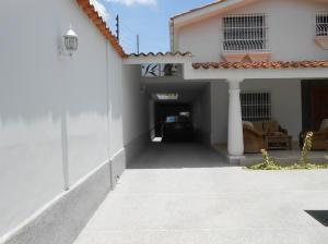 En Venta En Maracay - El Castano (Zona Privada) Código FLEX: 19-1552 No.17