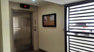 Apartamento En Venta En Maracay - San Isidro Código FLEX: 19-1553 No.3