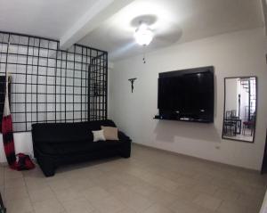 Casa En Venta En Caracas - Propatria Código FLEX: 19-1956 No.3