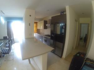 Apartamento En Venta En Caracas - Lomas del Sol Código FLEX: 19-1989 No.4