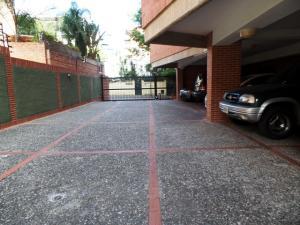 Apartamento En Venta En Caracas - Campo Alegre Código FLEX: 19-2127 No.4
