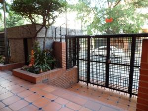 Apartamento En Venta En Caracas - Campo Alegre Código FLEX: 19-2127 No.8