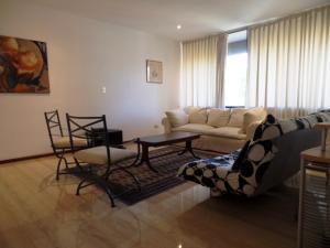 Apartamento En Venta En Caracas - Campo Alegre Código FLEX: 19-2127 No.10