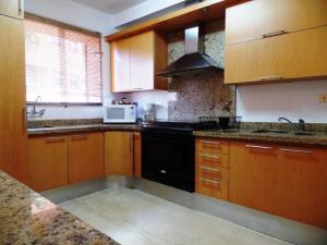 Apartamento En Venta En Caracas - Campo Alegre Código FLEX: 19-2127 No.13