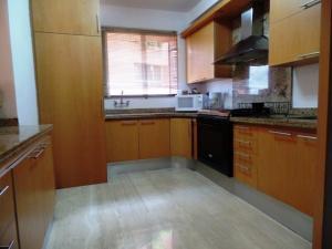 Apartamento En Venta En Caracas - Campo Alegre Código FLEX: 19-2127 No.14