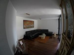 Apartamento En Venta En Caracas - El Cigarral Código FLEX: 19-2157 No.1