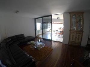 Apartamento En Venta En Caracas - El Cigarral Código FLEX: 19-2157 No.3