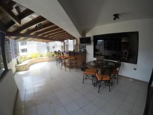 Apartamento En Venta En Caracas - El Cigarral Código FLEX: 19-2157 No.4