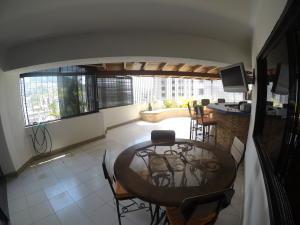 Apartamento En Venta En Caracas - El Cigarral Código FLEX: 19-2157 No.5