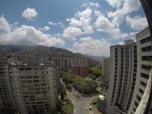 Apartamento En Venta En Caracas - El Cigarral Código FLEX: 19-2157 No.8