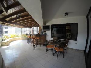 Apartamento En Venta En Caracas - El Cigarral Código FLEX: 19-2157 No.9