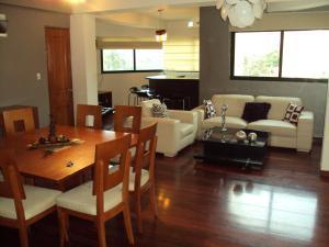 Apartamento En Venta En Maracay - La Soledad Código FLEX: 19-2178 No.1
