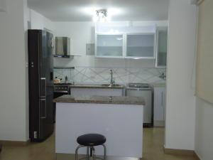 Apartamento En Venta En Caracas - Chacao Código FLEX: 19-2540 No.2