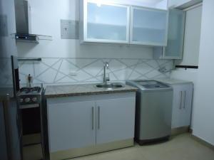 Apartamento En Venta En Caracas - Chacao Código FLEX: 19-2540 No.5