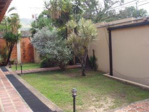 Casa En Venta En Maracay - Barrio Sucre Código FLEX: 19-2276 No.3