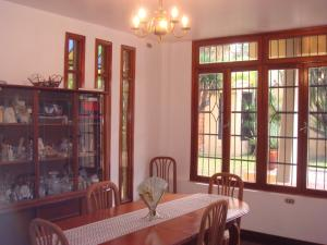 Casa En Venta En Maracay - Barrio Sucre Código FLEX: 19-2276 No.8