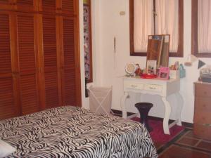 Casa En Venta En Maracay - Barrio Sucre Código FLEX: 19-2276 No.12