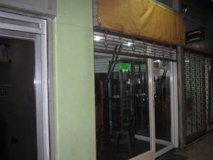 Local Comercial En Venta En Maracay - Avenida Bolivar Código FLEX: 19-2283 No.8