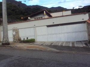 Casa En Venta En Maracay - El Castano (Zona Privada) Código FLEX: 19-4357 No.0