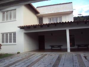Casa En Venta En Maracay - El Castano (Zona Privada) Código FLEX: 19-4357 No.2