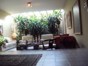 Casa En Venta En Maracay - El Castano (Zona Privada) Código FLEX: 19-4357 No.5