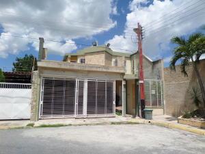 Townhouse En Venta En Maracay - Villas Ingenio II Código FLEX: 19-2692 No.0