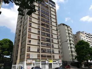 Apartamento En Venta En Caracas - Altamira Código FLEX: 19-2749 No.0