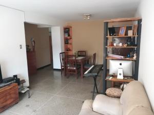 En Venta En Caracas - Altamira Código FLEX: 19-2749 No.2