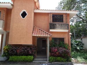 Townhouse En Venta En Maracay - Cantarana Código FLEX: 19-2843 No.4