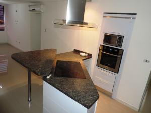 Apartamento En Venta En Caracas - El Encantado Código FLEX: 19-3041 No.2