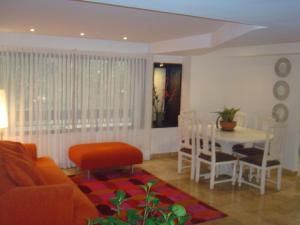 Apartamento En Venta En Caracas - Colinas de Bello Monte Código FLEX: 19-3043 No.6