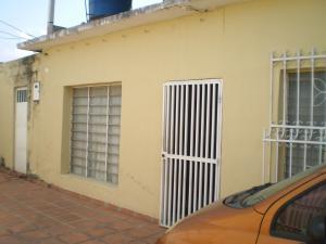 Casa En Venta En Maracay - Cana de Azucar Código FLEX: 19-3054 No.0