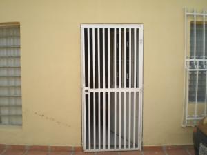 Casa En Venta En Maracay - Cana de Azucar Código FLEX: 19-3054 No.2
