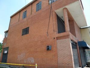 Edificio En Venta En Maracay - La Barraca Código FLEX: 19-3063 No.2