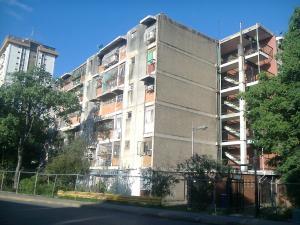 Apartamento En Venta En Maracay - Parque Aragua Código FLEX: 19-3066 No.0