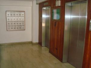 Apartamento En Venta En Caracas - Colinas de Santa Monica Código FLEX: 19-3161 No.1