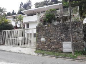 Casa En Venta En Caracas - El Placer Código FLEX: 19-3315 No.0