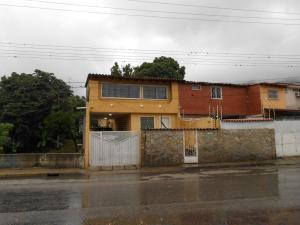 Casa En Venta En Maracay - El Castano (Zona Privada) Código FLEX: 19-3624 No.9