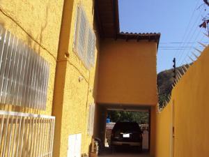 Casa En Venta En Maracay - El Castano (Zona Privada) Código FLEX: 19-3624 No.10