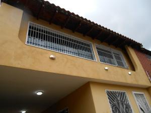 Casa En Venta En Maracay - El Castano (Zona Privada) Código FLEX: 19-3624 No.15