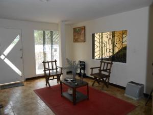 Casa En Venta En Maracay - El Castano (Zona Privada) Código FLEX: 19-3624 No.17