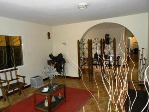Casa En Venta En Maracay - El Castano (Zona Privada) Código FLEX: 19-3624 No.2