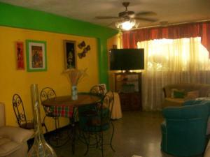Apartamento En Venta En Maracay - Cana de Azucar Código FLEX: 19-3705 No.5