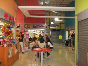 Local Comercial En Venta En Maracay - Avenida Bolivar Código FLEX: 19-3763 No.3