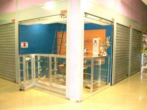 Local Comercial En Venta En Maracay - Avenida Bolivar Código FLEX: 19-3763 No.0