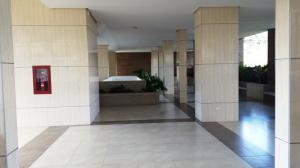 Apartamento En Alquiler En Caracas - Los Naranjos del Cafetal Código FLEX: 19-3894 No.2