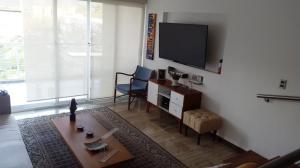 Apartamento En Alquiler En Caracas - Los Naranjos del Cafetal Código FLEX: 19-3894 No.4